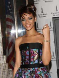Rihanna_Cartier_Love_Charity