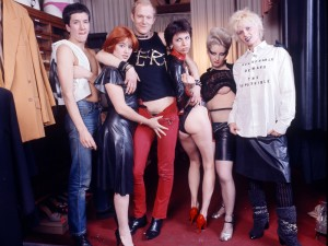 Mandatory Credit: Photo by DAVID DAGLEY/REX_Shutterstock (60980b) Steve Jones, Alan Jones, Chrissie Hynde, Jordan and Vivienne Westwood at Westwood's shop 'Sex', Kings Road, London - 1976 Various - 1976